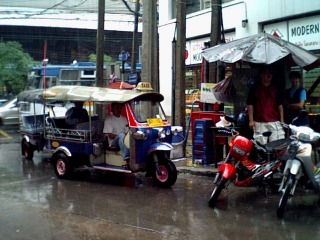 saruzou_tuktuk.jpg
